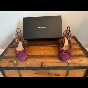 Classic Dolce Gabbana purple beautiful!! Great $$